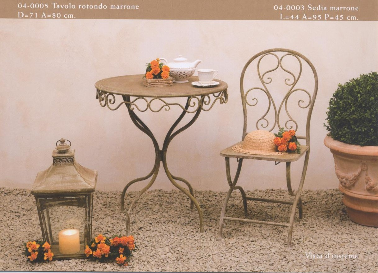 Tavolini sedute oggetti arredamento per esterno e for Salotti in ferro battuto per esterni